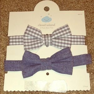 2 Bow Ties with Velcro